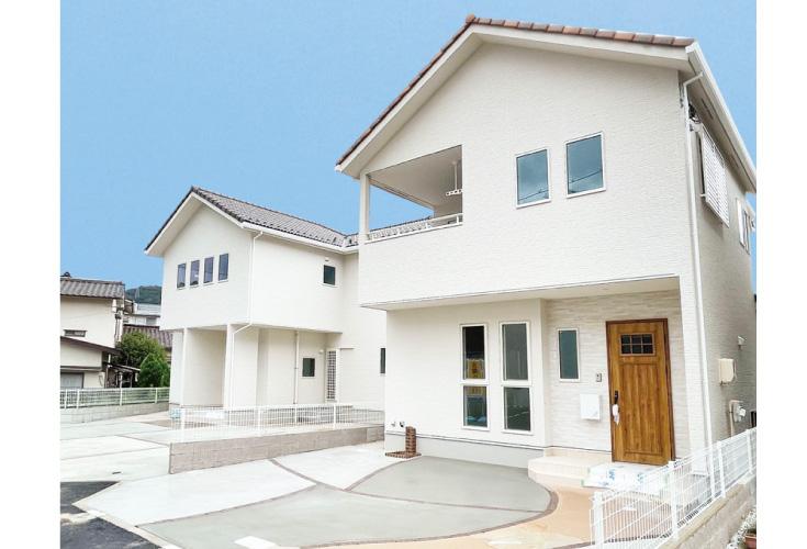 広島市東区戸坂山根2丁目8新築一戸建て分譲住宅外観